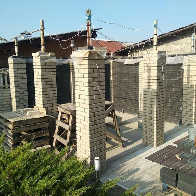 Фотография строительство забора из кирпича Литос